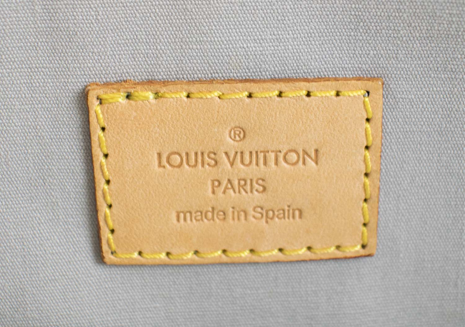 LOUIS VUITTON MONOGRAM VERNIS ROXBURY DRIVE BAG 26b4a174f0a8c
