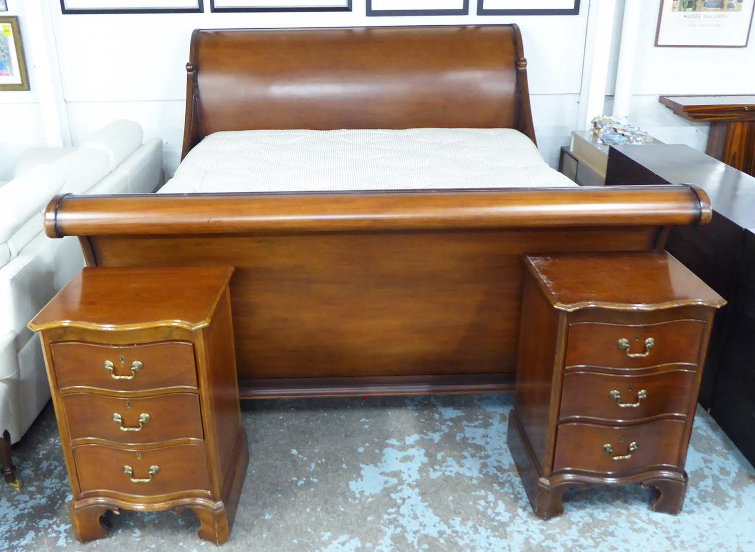 And So To Bed Sleigh Bed 6ft 6in Mahogany With Paw Feet With