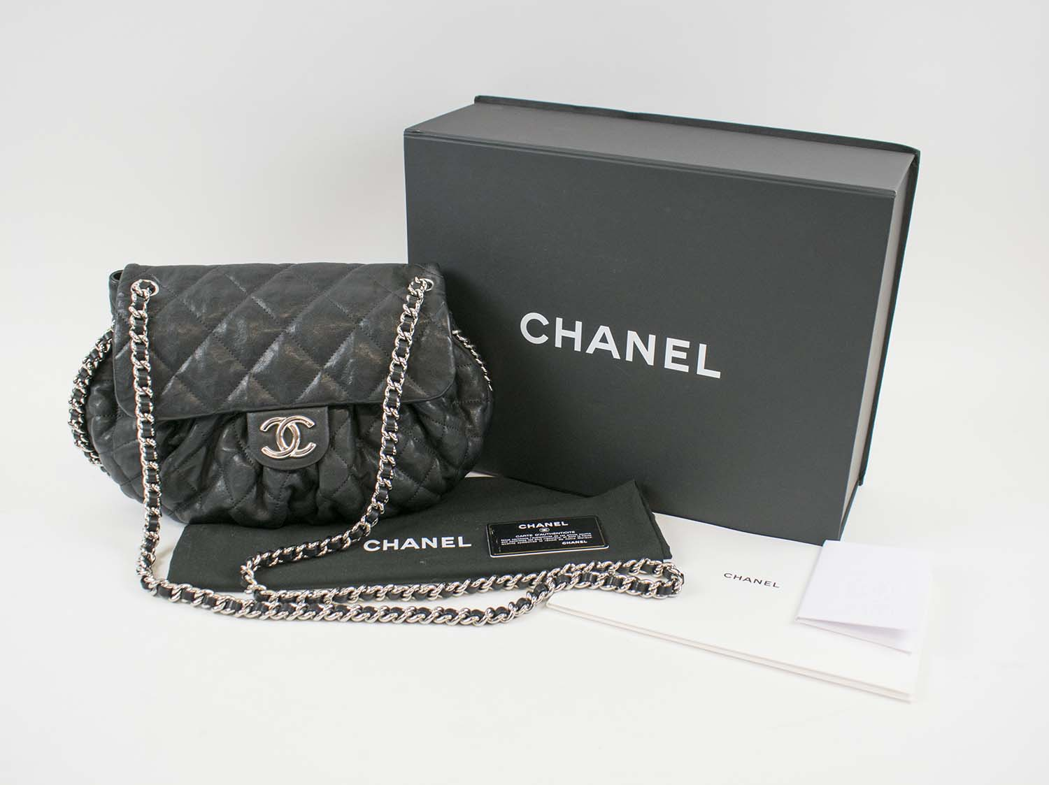 16a0749e5a9 Chanel Chain Around Messenger Bag Black Quilted Leather With Silver