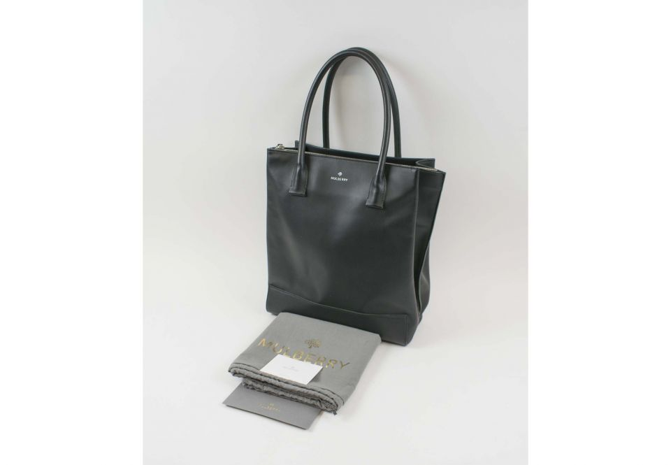 957570c7fd MULBERRY ARUNDEL TOTE, in black nappa leather with two compartments ...