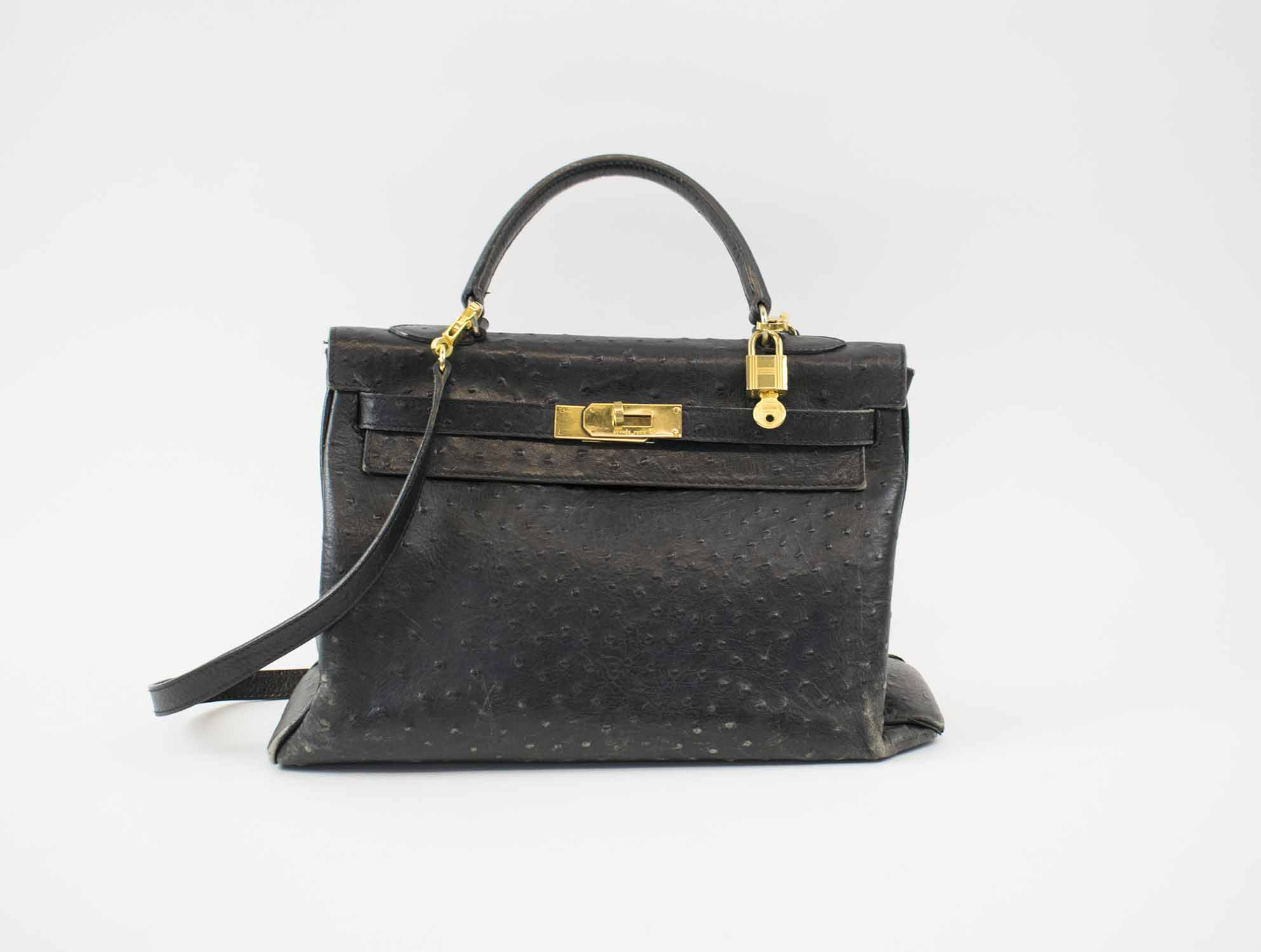6fd6ba5dfdc7 HERMÈS KELLY OSTRICH 32 BAG, black leather with gold hardware ...